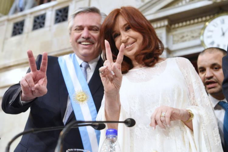 Fiasco governista nas urnas enfraquece esquerda e escancara crise política na Argentina; entenda