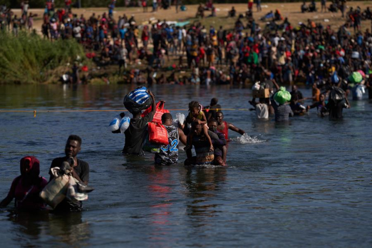 Panamá estima que 65 mil migrantes estejam no país a caminho dos EUA