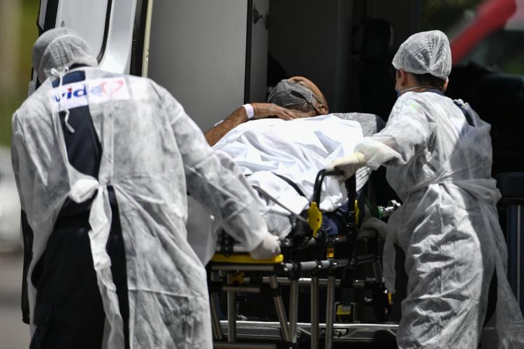 Pandemia deve acabar em um ano, diz CEO da Moderna