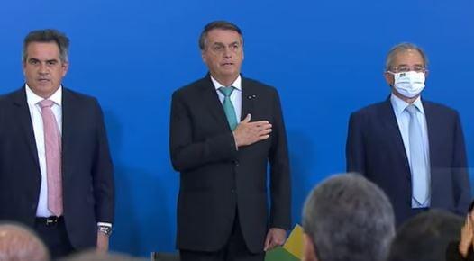 Bolsonaro afirma que Forças Armadas não vão cumprir ordens absurdas de ninguém