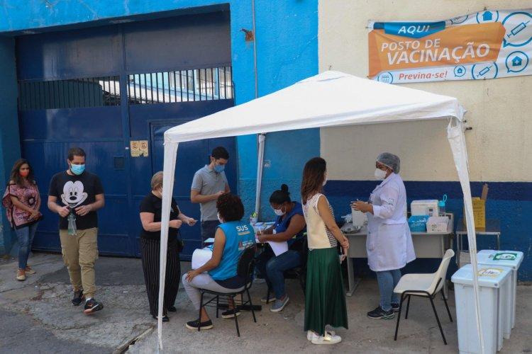 Cidade de São Paulo registra falta de doses da AstraZeneca em 93% dos postos