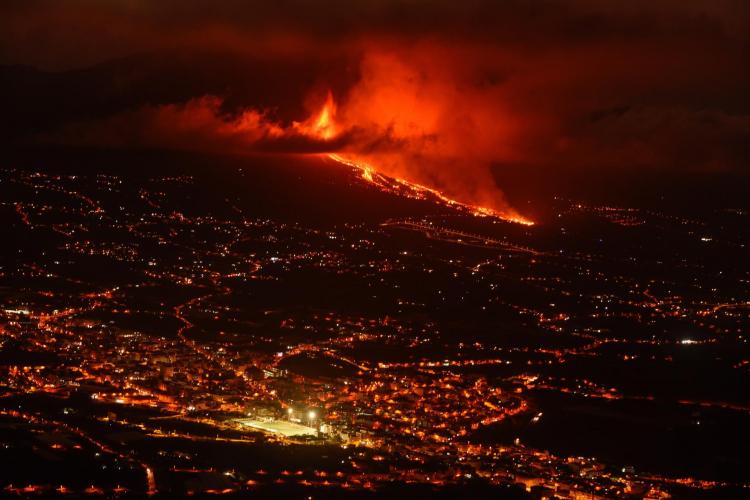 Veja fotos do avanço da lava na ilha de La Palma após erupção do vulcão Cumbre Vieja