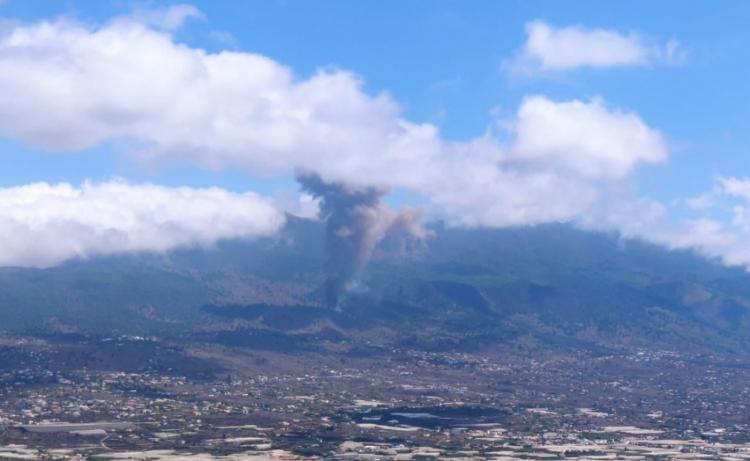 Qual o risco de tsunami atingir a costa brasileira após vulcão entrar em erupção nas Ilhas Canárias?